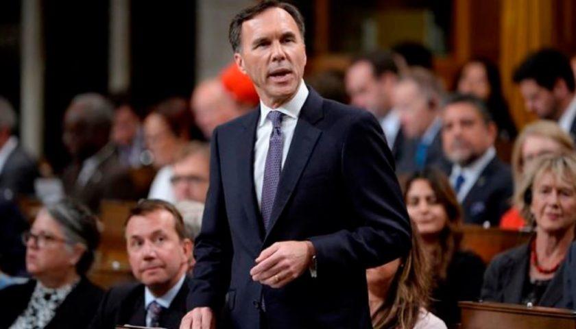 Canada won't act in 'impulsive way' in response to U.S. tax cuts: Morneau