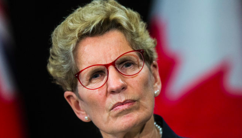 Small business tax cut never promised to offset minimum wage hike: Wynne