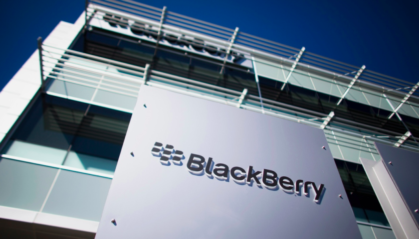 BlackBerry reports net loss, but operating profit and revenue above estimates