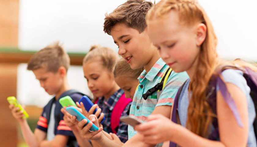 Sorry, parents, Apple can't keep kids from getting addicted to phones: experts