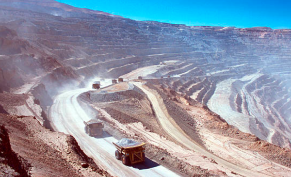Chile orders Barrick to permanently close Pascua-Lama surface facilities