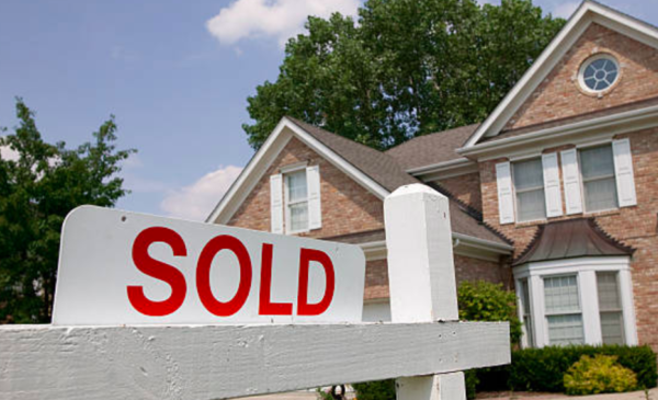 Home sales and average prices rose in December ahead of stricter mortgage tests