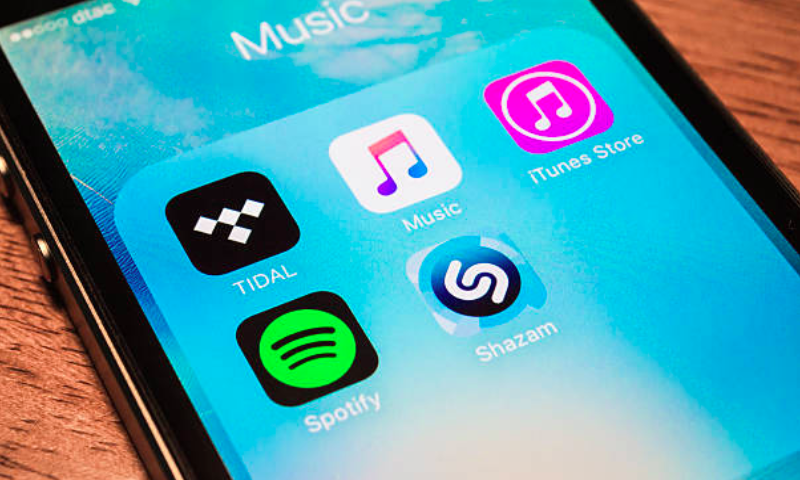 Spotify to test how its music service plays on Wall Street