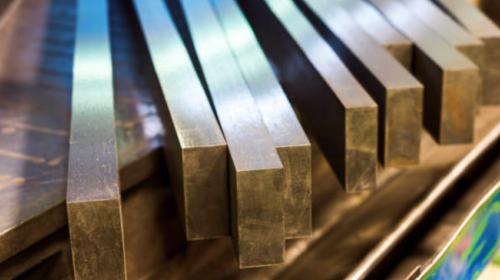 Trump tweets that steel, aluminum tariffs stay unless there's a new NAFTA deal