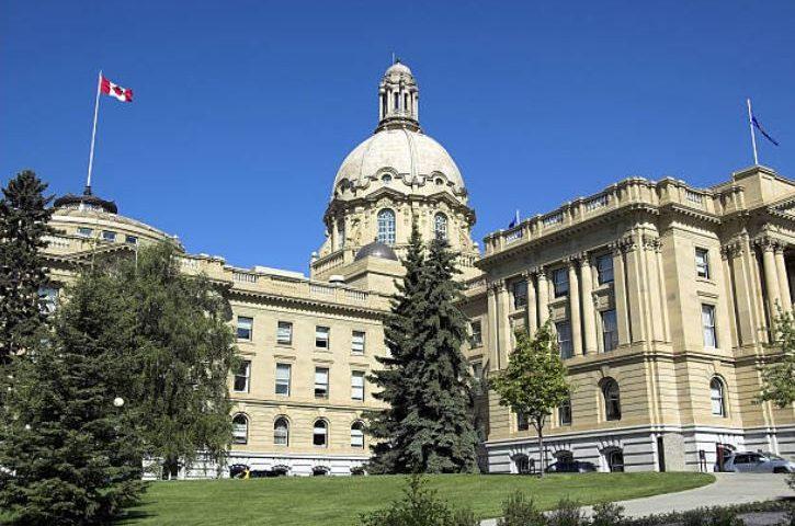 Alberta's dangerous debt binge isn't over yet
