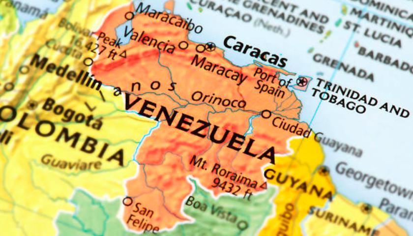 Freeland steps up diplomatic pressure on Venezuela, warns of refugee crisis