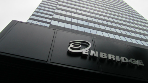Enbridge reports earnings of $949 million in Q3, up from loss last year