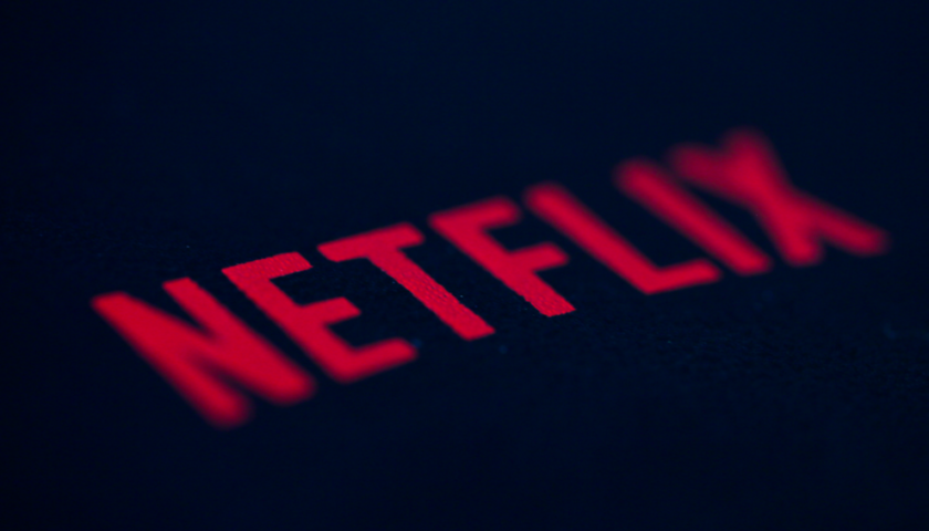 Netflix's subscriber growth tapers off in 2Q, stock tanks