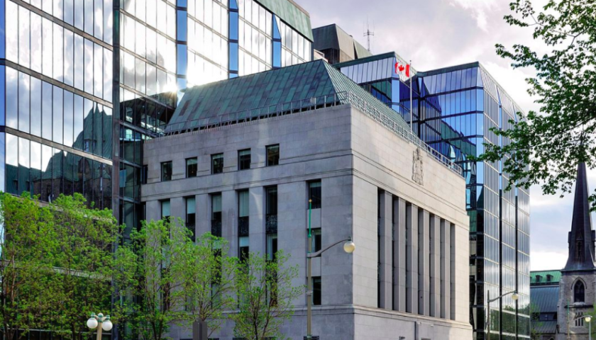 Bank of Canada holds rate steady, says COVID-19 economic recovery likely by 2022