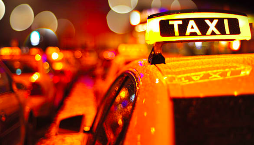 Quebec announces $44 million to help modernize taxi industry, compensation to come later