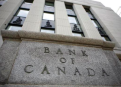 Bank of Canada holds interest rate, drops growth forecast for 2019