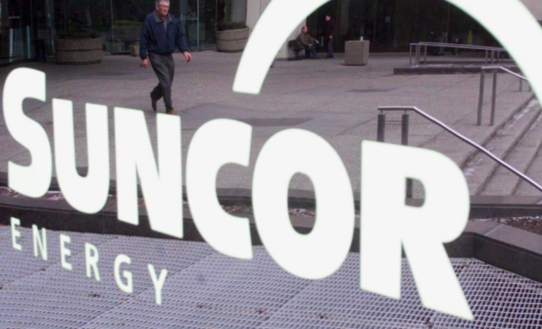 Suncor cuts $1.5 billion from budget to cope with low oil prices, virus impact
