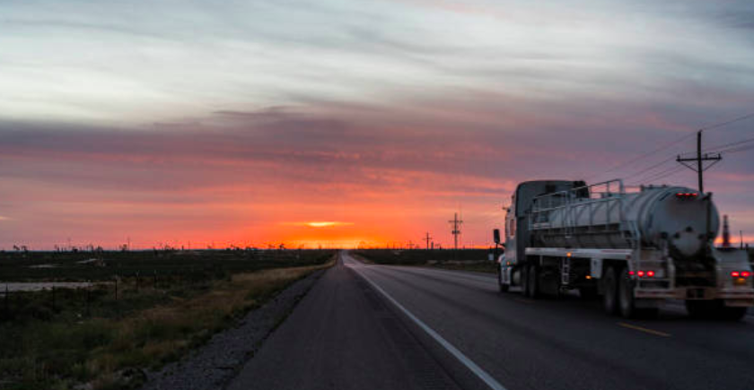 Canadian drillers moving rigs south to chase better prospects in Texas oilfields