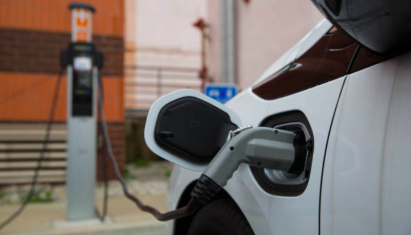 AAA: Cold weather can cut electric car range over 40 per cent