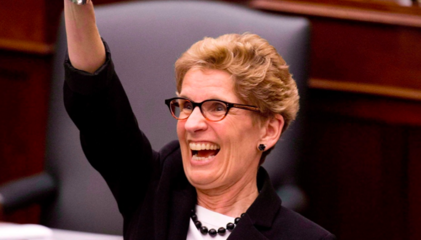 Wynne says review of Hydro One pay will include raises for board of directors