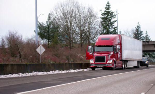 Prairie provinces to meet next week on standardized trucking regulations