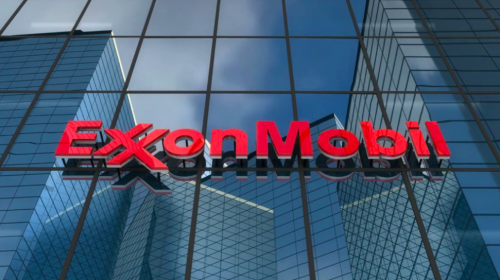 Exxon, Chevron to cut US jobs as oil industry struggles