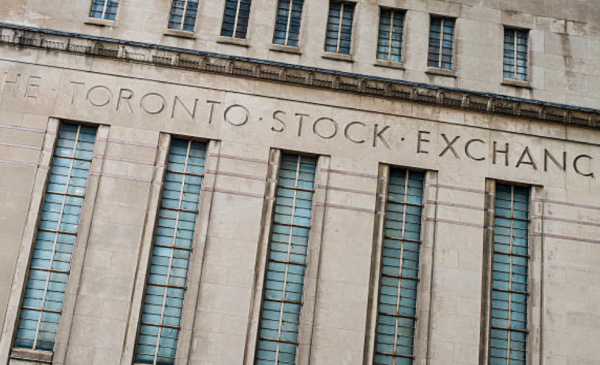 TSX ends worst first quarter in at least a decade despite energy-induced gains