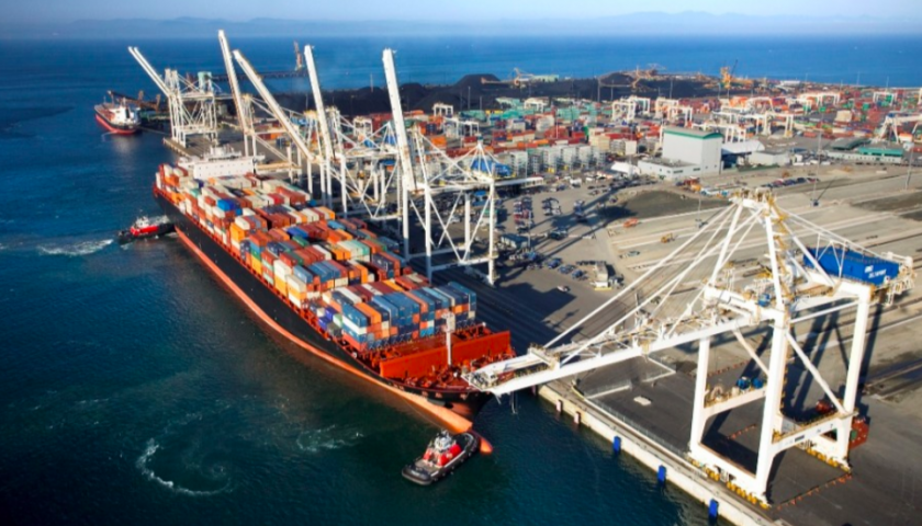 Longshore workers issues strike notice for Monday at two Vancouver terminals