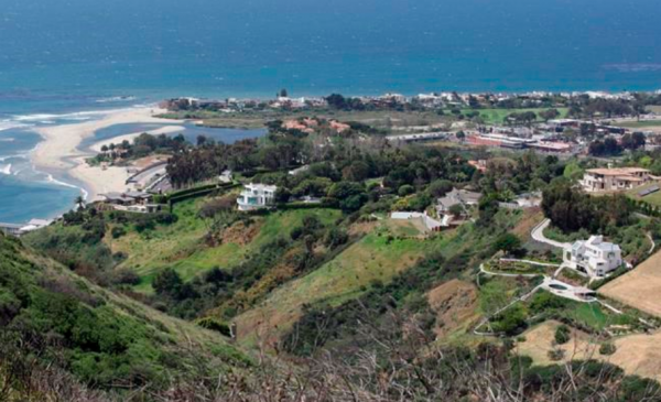 U2 guitarist won't get to build mansions on Malibu hillside