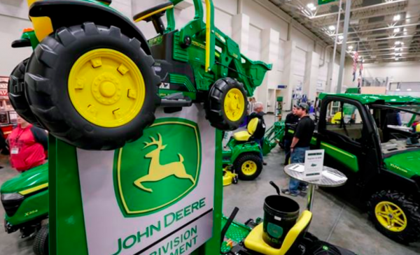 Flooding, a trade war and Deere cuts outlook for the year