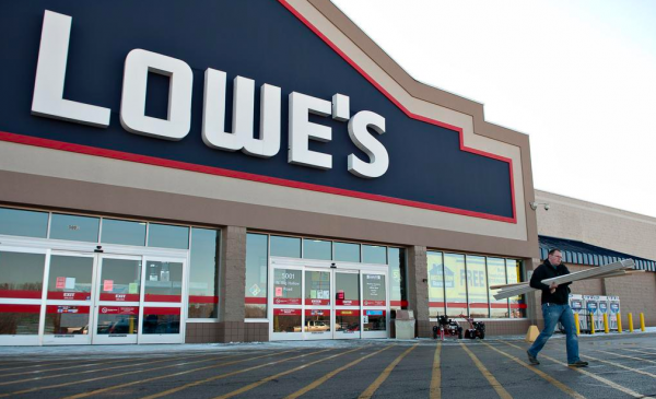 Lowe's disappoints on 4Q sales, full-year outlook