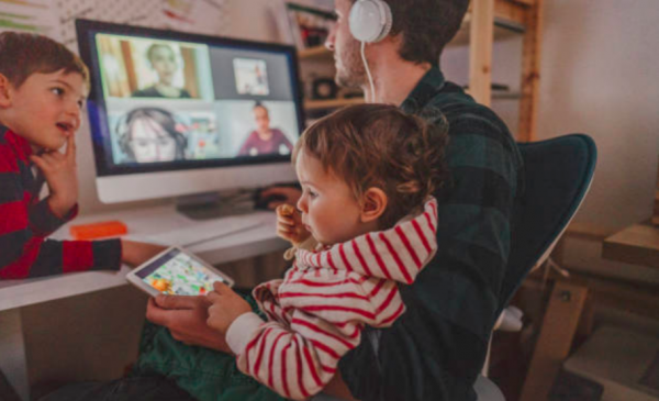 Virtual babysitting helps parents juggle double responsibilities during pandemic