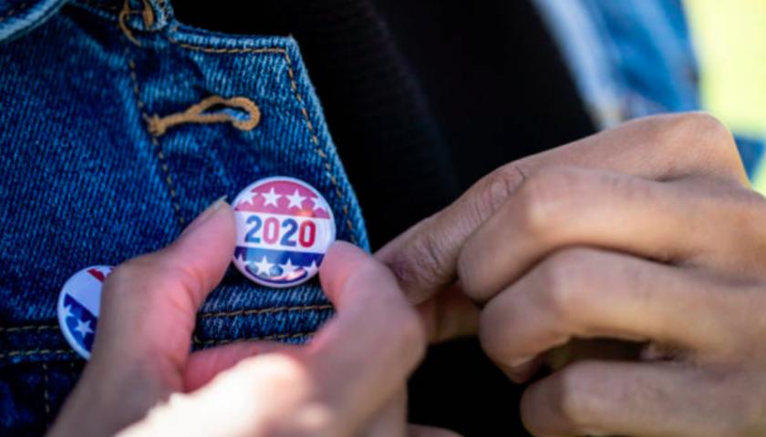 Florida governor extends voter registration after site crash
