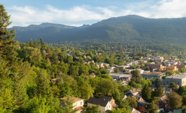 Kootenays' strong population growth outpacing housing supply, pushing prices to record highs, says CPABC
